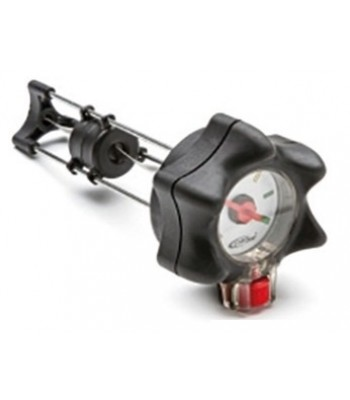 Plug fitted with mechanical level indicator