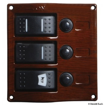 Pannello elettrico con interruttore carenato